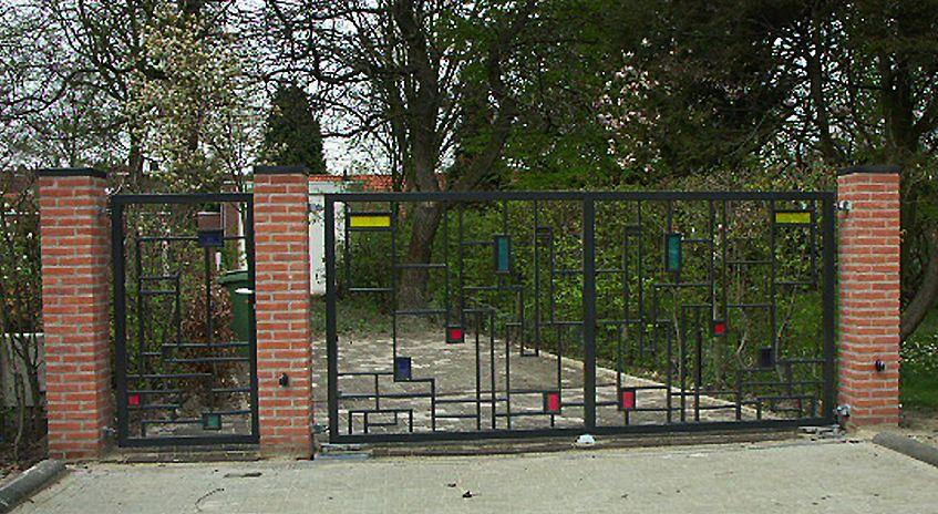 smederij 's hertogenbosch voor tuinpoorten, sierpoorten, metalen poorten en smeedwerk op maat
